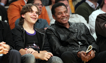 prince-lakers-game.jpg