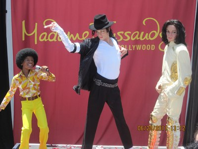 MichaelJacksonExperience_Tussauds_062011.JPG