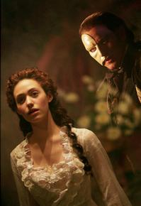 emmy_rossum_2004_the_phantom_of_the_opera_001.jpg