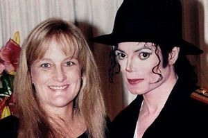 Debbie-Rowe-and-Michael-Jackson-1996.jpg